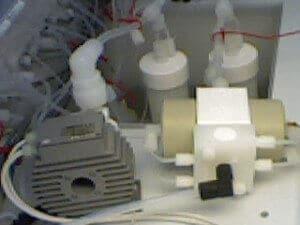 White Knight 風囊泵和Levitronix 離心泵加熱槽循環